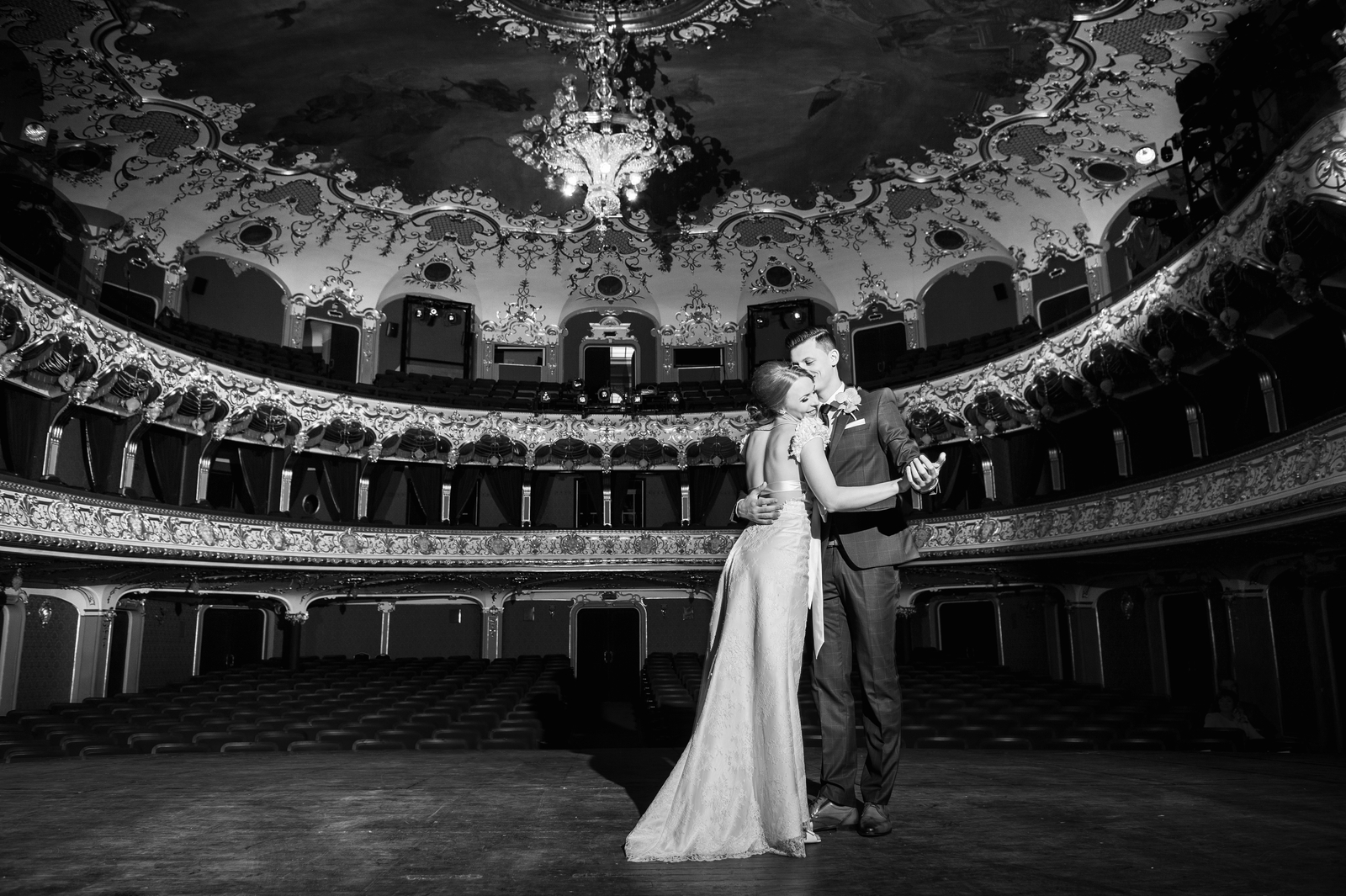 Imagini din portofoliul Irinei Mocanu, fotograf de nuntă în Iași